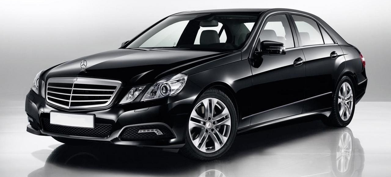 Mercedes available with Auto Executive Cars